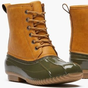 Women's Two-Tone Duck Boots sz 11 Rubber Snow NWT